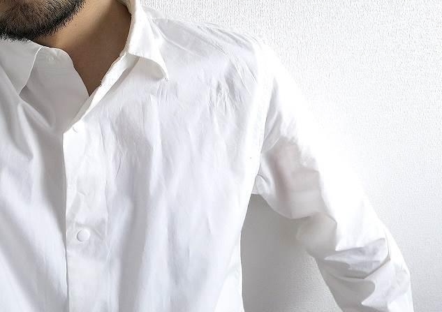 YAECA 白シャツ