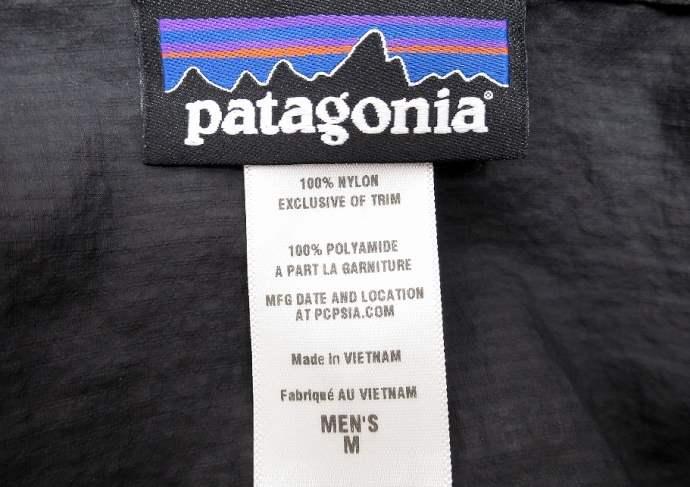 パタゴニア フーディニ ジャケットのタグ