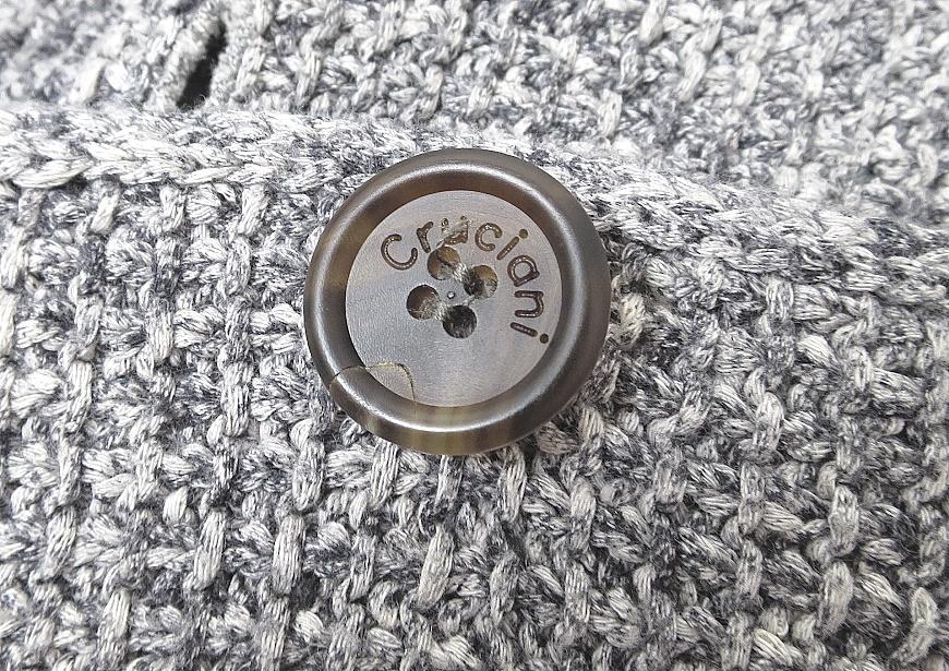 クルチアーニ ボタン