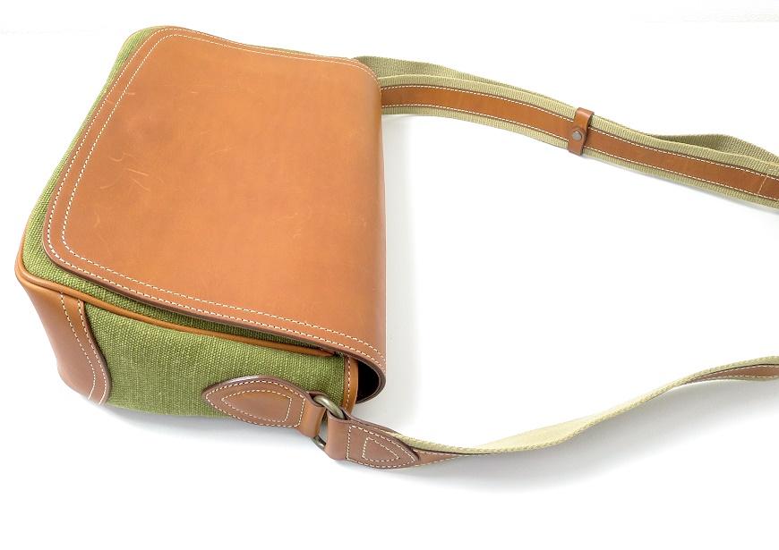 土屋鞄 カメラ散歩バッグ ショルダーの画像